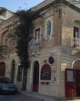 The 1930's Maltese Residence