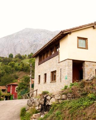 Apartamentos Asturias, Carrea (with photos & reviews ...