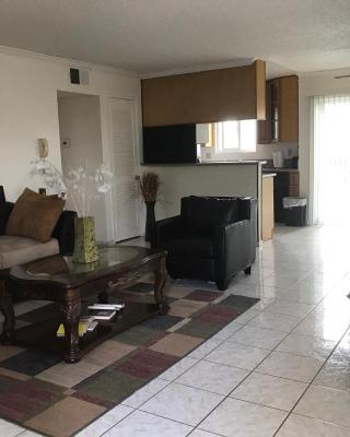 Cozy Apartment Glendale