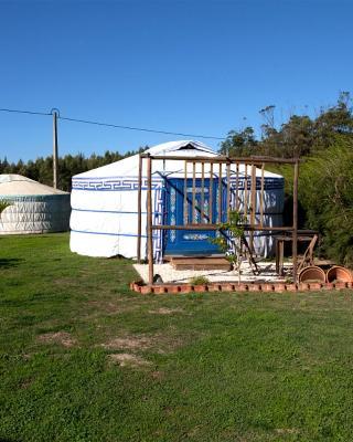 Quintal Yurts