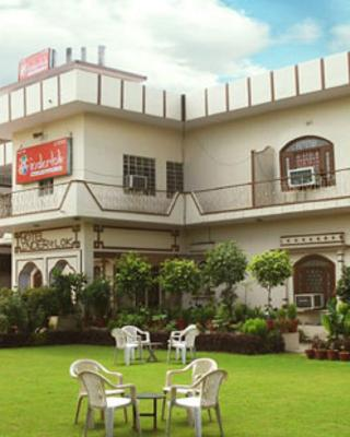 Inderlok Hotel - Budget Hotel