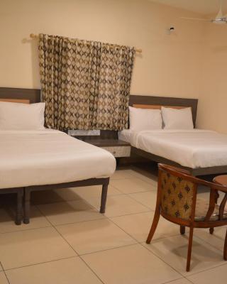 Hotel Sownthariyam