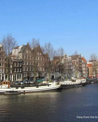 Charming Canal House 4p