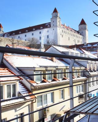 Castle Iris Apartment