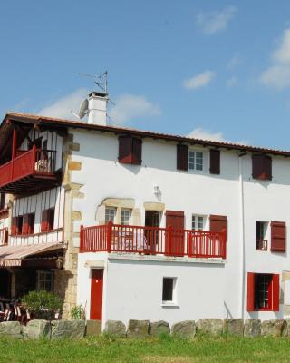 Hotel Pikassaria