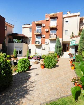 Apartments Iwa Centar