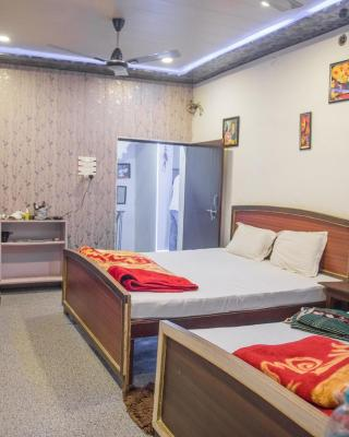 Kanha Paying Guest House
