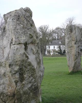 Avebury Lodge