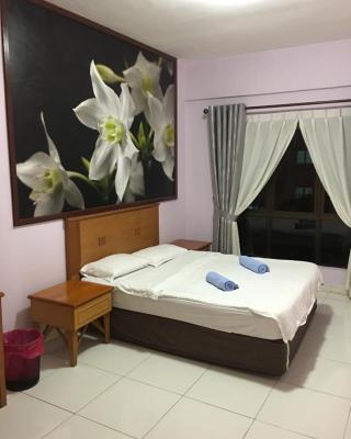 M&T Service Apartment 3 @ Marina Court Condominium