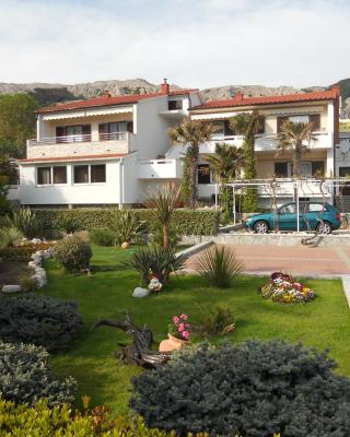 Apartments Mihalić