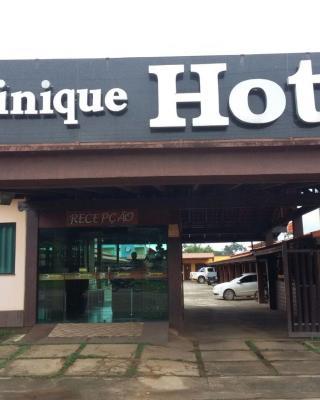 Dominique Hotel