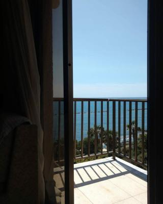 Zygi Apartment by the Beach
