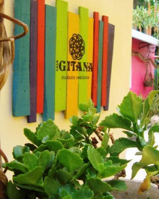 Casa Gitana Hostel & Traveler's Home