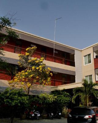 Pakdee House