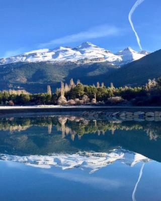 Roca Nevada Resort