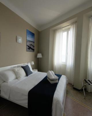 Luna Rooms