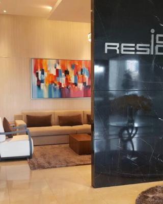 Icon City Condominium