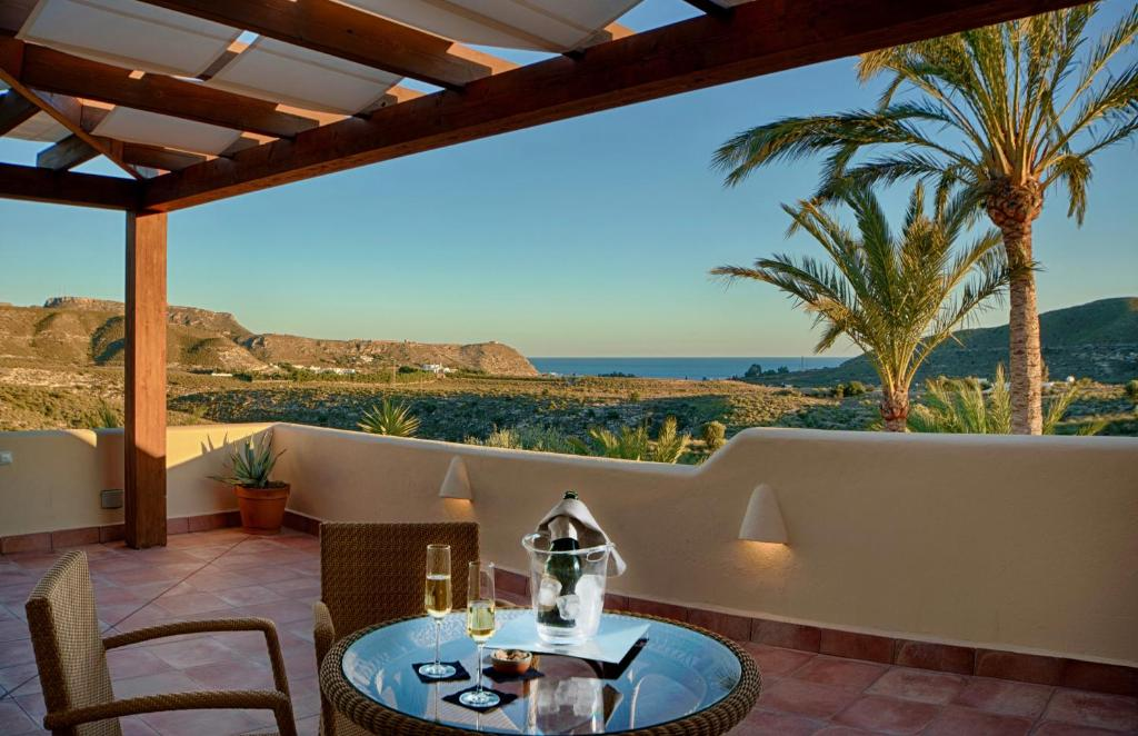 boutique hotels in agua amarga  97