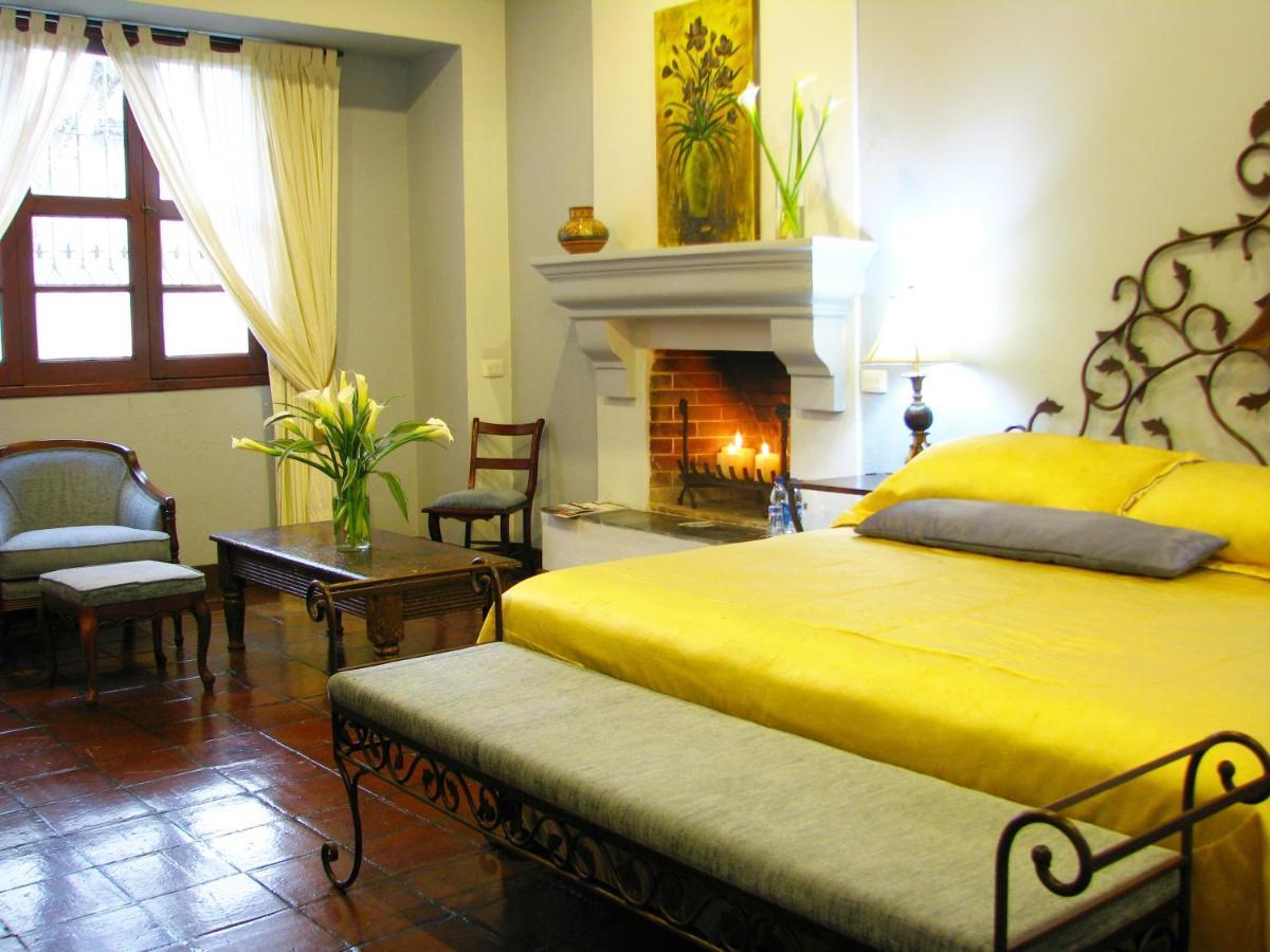 Staff Andrea Lucy And Silvia Review Of Casa Santa Rosa Hotel  # Muebles Boutique Santa Rosa