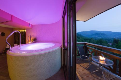 Zaawansowane 10 najlepszych hoteli z jacuzzi w Ustroniu, Polska | Booking.com WD97