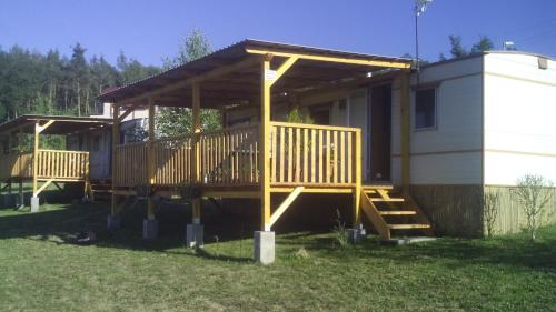 Mobilní dům Na louce v kempu Výr