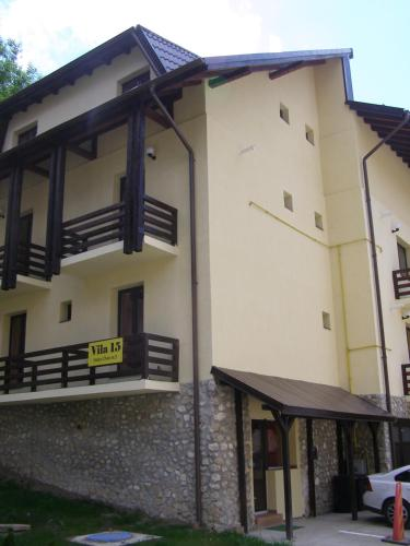 Vila 15 Complex Vila de Aur