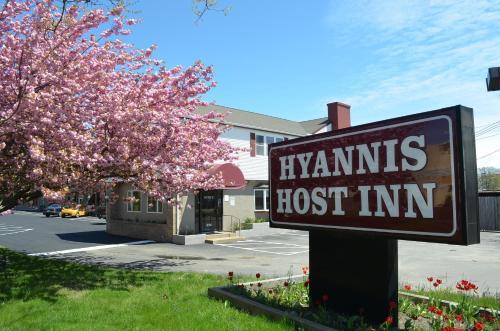 Hyannis Host Inn