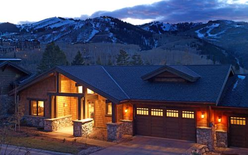 Blacktail Lodge - Five Bedrooms