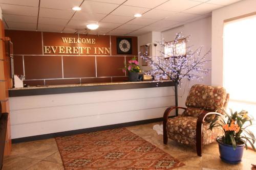 Welcome Everett Inn