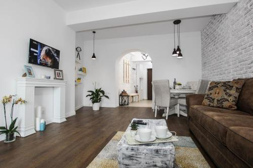 100 sqm luxury apartment, Unirii Square