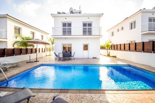 Nissi Villa Gintare
