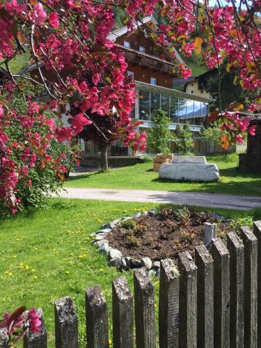 Landhaus Alpenrose - Feriendomizile Pichler