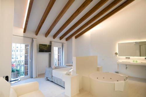 Los 10 mejores hoteles de 4 estrellas de Mahón, España ...