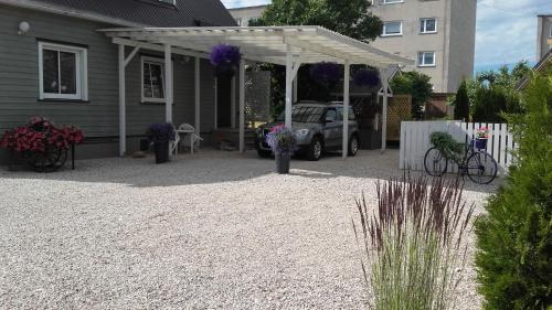 Haavalehe Summer House