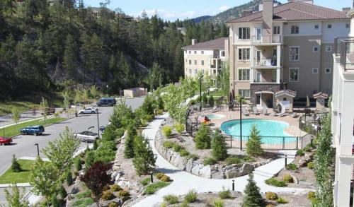 Pinnacle Pointe Resort by Discover Kelowna Resort Accommodations