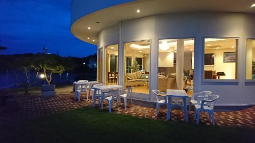 Shirahama Seaside Villa
