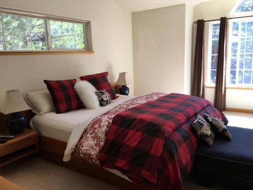 Kingswood Estate Cabin Retreat