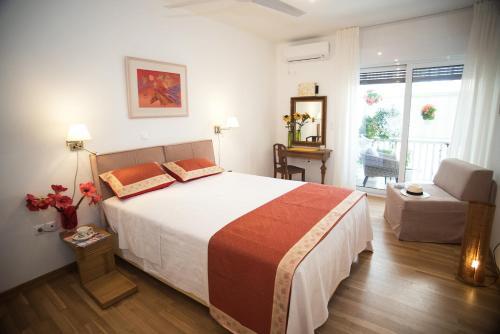 Rastoni Athens Suites near Acropolis