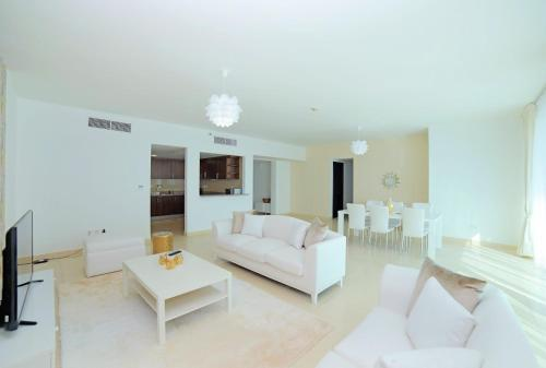 New Arabian Holiday Homes - Laguna Towers