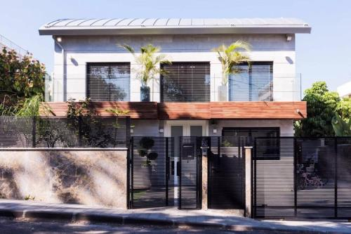 Private villa near the sea new