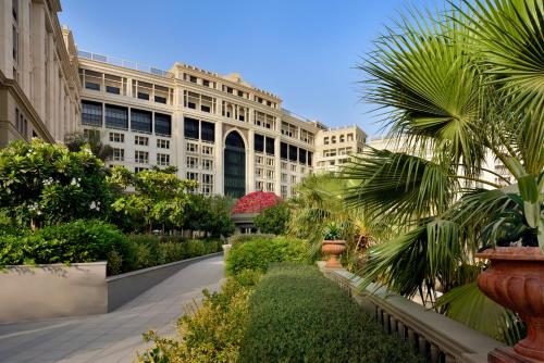 Reserve This Beach Hotel Description For A11y Palazzo Versace Dubai