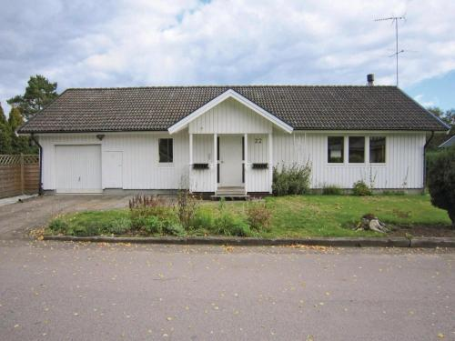Holiday home Åsljunga Sjöängsvägen