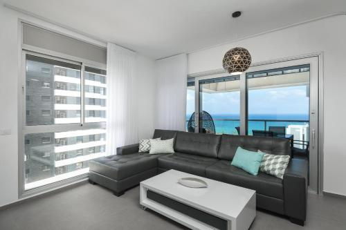 Luxury Front Beach Apartments