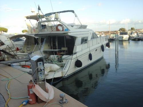 House boat Splash