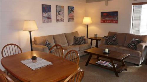 Dollar Meadows Condo #1361 Condo