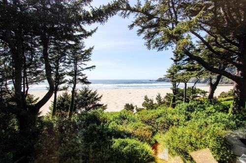 Agate Beach Oceanfront Lodge