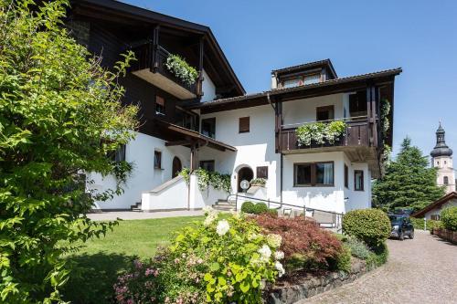 Piscina Villa D Alm.10 Geriausi Viesbuciai Su Baseinais Mieste Kastelrotas
