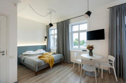 9010 Apartments