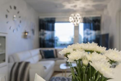 Tuomas' Luxurious Suites, Nilo