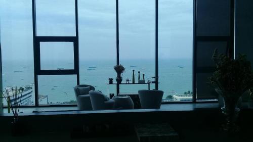 Base condo Central Pattaya Luxury Holiday Stay